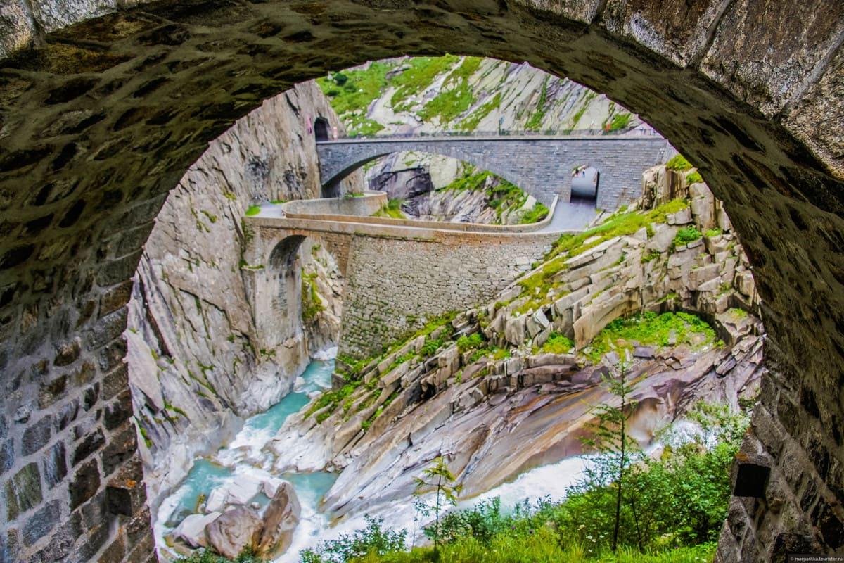 чертов мост альпы фотографии зимы постоянно